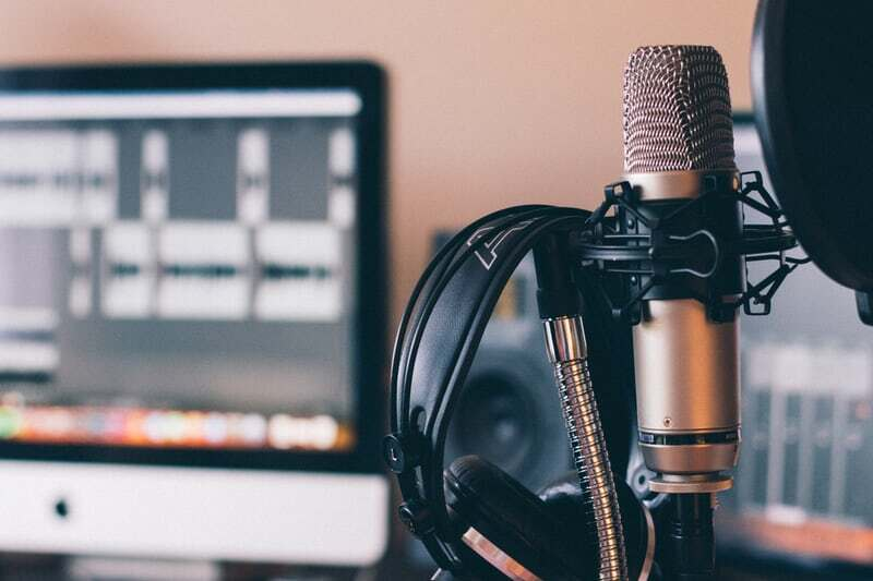 How to Use Podcasts to Grow Your Digital Marketing Agency